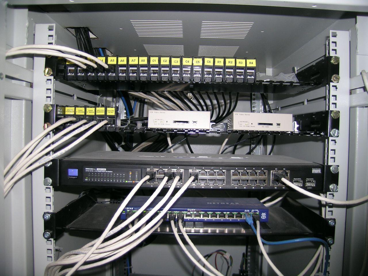 Impianti di trasmissione dati reti lan e wireless in provincia di Mantova